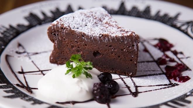 ザ ネイキッド - 料理写真:しっとりガトーショコラ