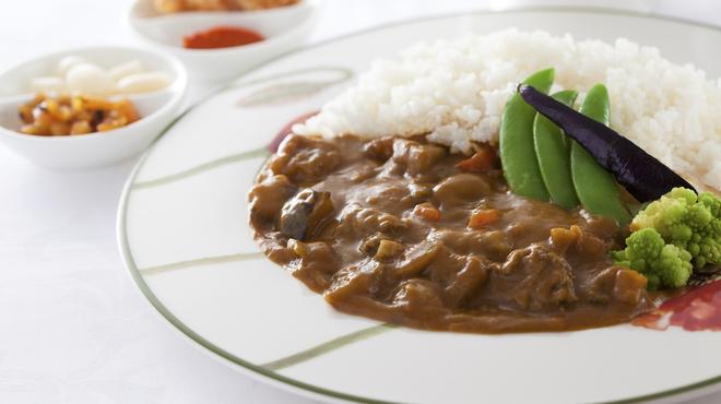 フローラ - 料理写真:横浜ロイヤルパークホテル特製ビーフカレー