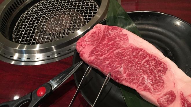 黒毛和牛食べ放題 みやもと牧場 - メイン写真: