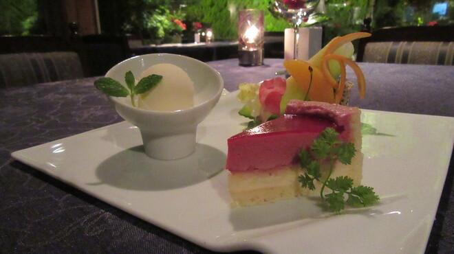 三田屋 - 料理写真:穏やかな母の温もり2018母の日デザート