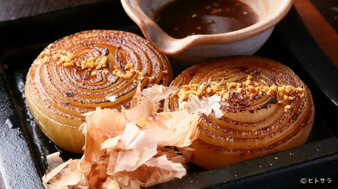 淡路島ええとこどり - 料理写真:島が誇るブランド特産品「淡路島玉ねぎ」を丸ごと1個堪能する『玉ねぎステーキ』