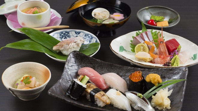 寿司 さ々木 - 料理写真:おまかせ8,000円(お造り付)