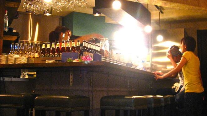 CONROW - 内観写真:お酒を飲みながら、本格タイ料理を!!