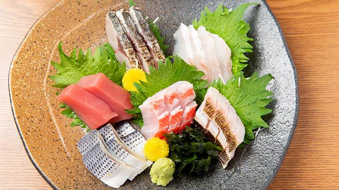 魚酒房 扇子 - メイン写真: