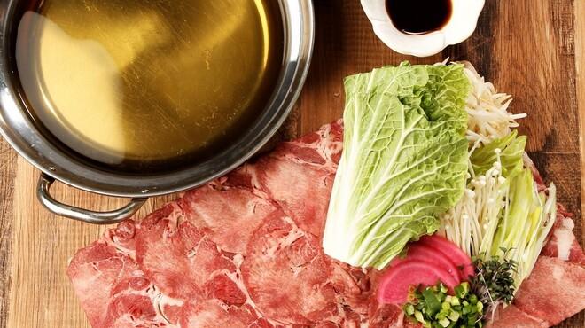 チーズとお肉の個室バル YOKUBALU - メイン写真: