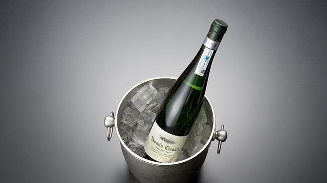 天ぷら新宿つな八 - ドリンク写真:スペインの微発泡白ワイン『チャコリ・チョミン・エチャニス』