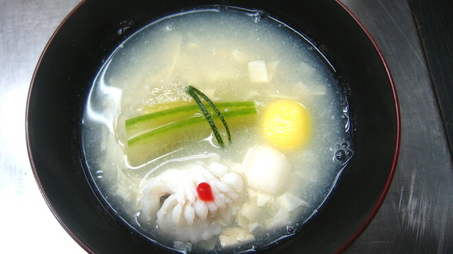 人丸花壇 - 料理写真:鱧と湯葉のお吸物