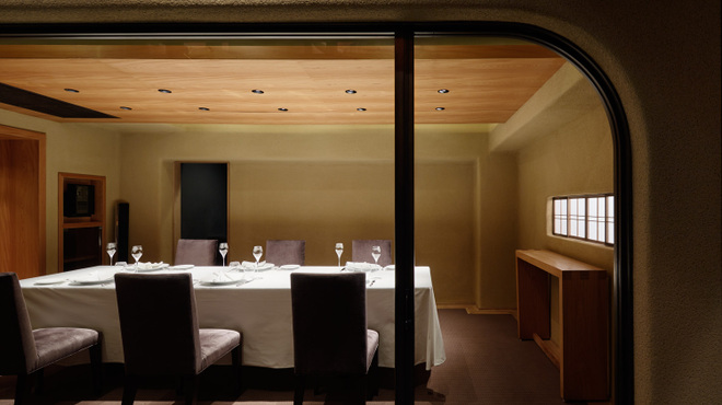 レフェルヴェソンス - 内観写真:最大で8名様でご利用頂ける完全個室ございます。