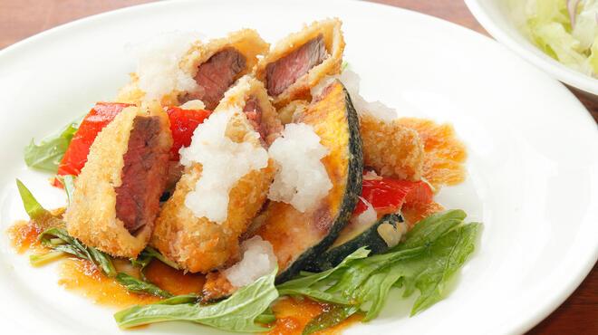 サラダの店サンチョ - 料理写真:期間限定『牛肉と夏野菜のフライとサラダ』