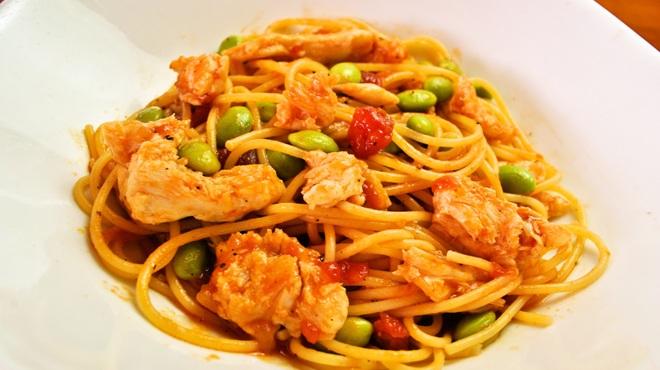 ランチ&バー 花菜 - 料理写真:えだまめと蒸し鶏のトマトソース