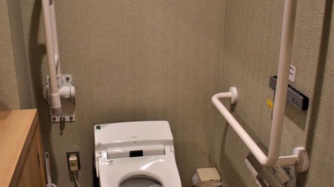 福島屋 - 内観写真:2階トイレ(車椅子対応)