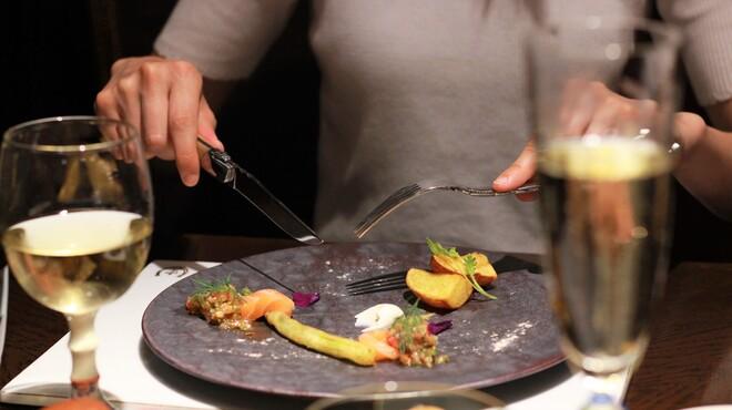 ハミルトン アール - 料理写真:瞬間燻製サーモンと夏野菜