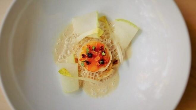 B - 料理写真:ホタテのプランチャ オレンジ風味 ヴェルモットソース