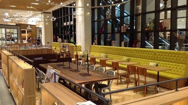 カフェ&ブックス ビブリオテーク - メイン写真: