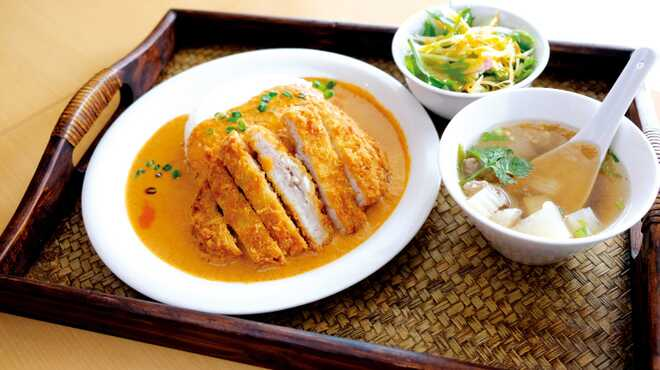 ラムーン - 料理写真:サクサクレッドカレー ランチセット ¥1,000~