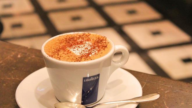 ラ ヴィオラ - ドリンク写真:カフェチョコラータ