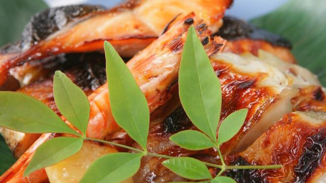 魚三楼 - 料理写真:旬の鮮魚のお料理