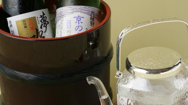 魚三楼 - 料理写真:お料理に合うお酒をお楽しみください
