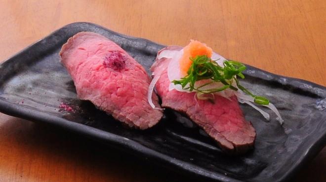 ときすし - 料理写真:数量限定ローストビーフの握り、一貫180円