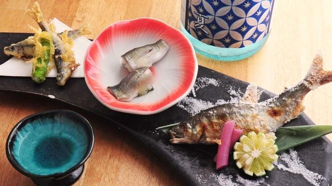 ときすし - 料理写真:鮎づくし 天ぷら、にぎり、塩焼き 880