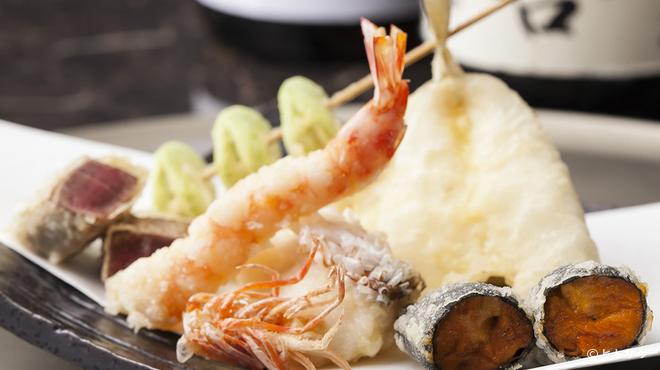 天ぷら わかやま - 料理写真:江戸前魚介や産地直送の旬野菜など、40種以上の天種が集う