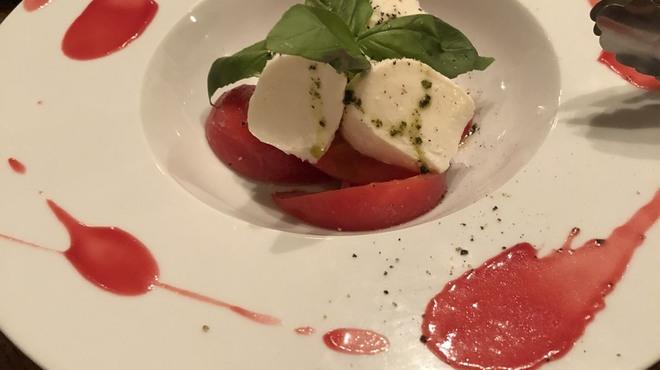 トラットリア・フィーロ - 料理写真:カプレーゼ