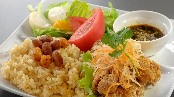 自然野菜レストラン 駒込 ナーリッシュ - メイン写真: