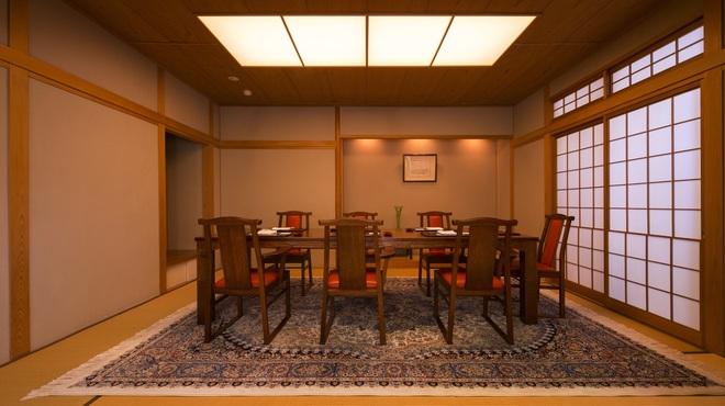 一心鮨 光洋 - 内観写真:2018年6月にリニューアルの個室テーブル。