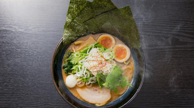 クリーミーTonkotsuラーメン 麺家神明 - メイン写真: