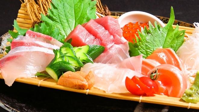 個室&肉バル&和食 俺ん家キング - メイン写真: