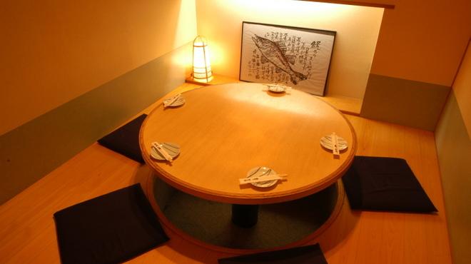 酔灯屋 - 料理写真:6名様用掘りごたつ個室