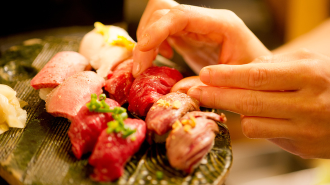 津田沼 肉寿司 - メイン写真: