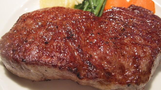 麤皮 - 料理写真:【三田牛サーロイン】は塊で焼くとさらに旨みが凝縮します!!