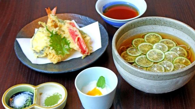 東京赤坂 やぶそば - 料理写真:夏限定!すだちそば(温・冷)と夏野菜の天ぷら