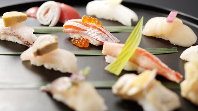 魚吟 新富町 - メイン写真: