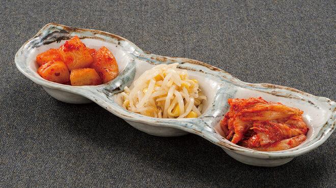韓豚屋 - 料理写真:yoso盛合せ