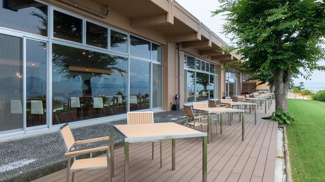 レストラン Rivage - 内観写真:テラス席ございます。晴れた日は宍道湖を眺めながら♪