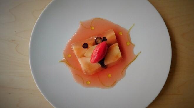 B - 料理写真:桃のテリーヌ
