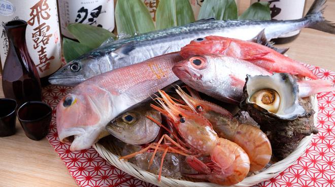 くつろぎ完全個室 海鮮炉端居酒屋 赤羽 ろば炭魚 - メイン写真:
