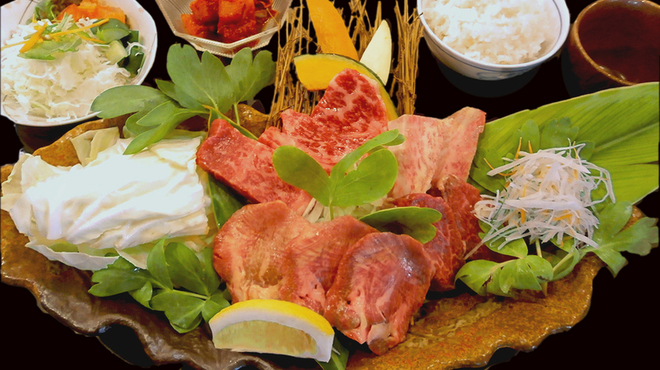 石垣島きたうち牧場 - 料理写真:お一人でも♪特上焼肉お一人様セット 4,200円・・・特上お肉を味わえます!