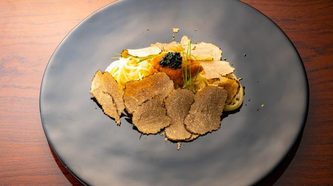 グットドール - 料理写真:ウニとトリュフとキャビアの冷製パスタ