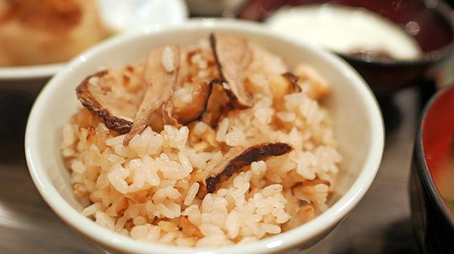 銘酒 魚の家 - 料理写真:松茸ご飯