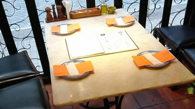 赤坂スペインクラブ アラ - 内観写真:テラスのお席です。2人でゆっくり