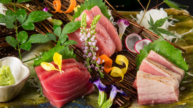 玄海の活魚と糸島直送の食 博多居酒屋 どげん海 - メイン写真: