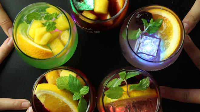 バル居酒屋 TWO SPOON - ドリンク写真:100種のサングリア