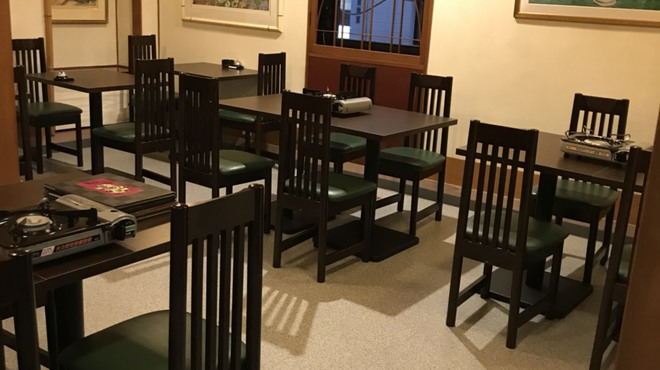 もつ鍋・水炊き 四番館 - 内観写真:20人でもお使いいただけます。