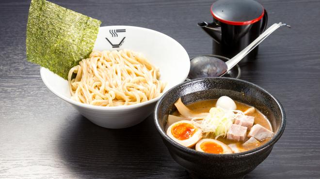 クリーミーTonkotsuラーメン 麺家 神明 - メイン写真: