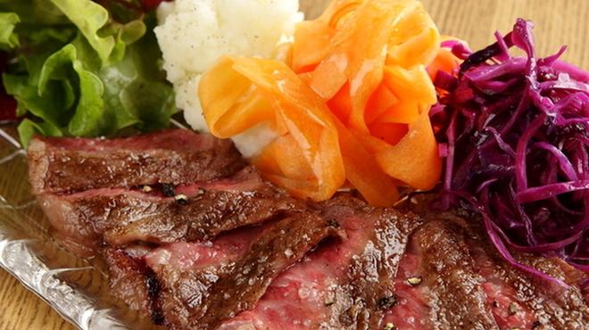 黒毛和牛一頭買い肉バル デルソーレ - メイン写真: