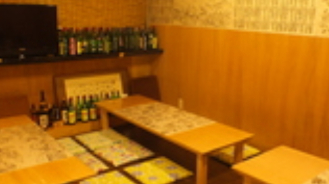 母韓の台所 - 内観写真:座敷は、4テーブル