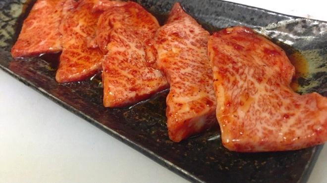 母韓の台所 - 料理写真:特上カルビ